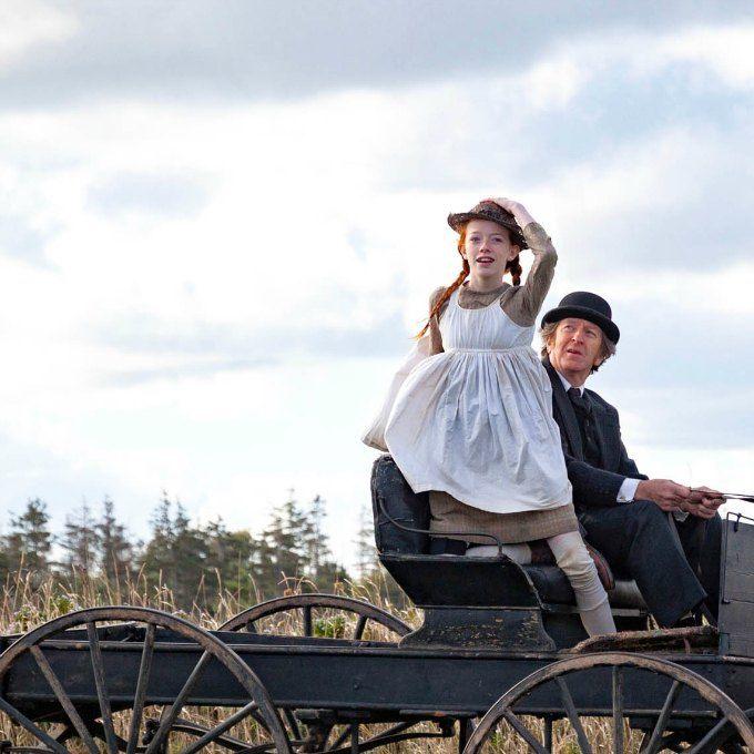 Anne com E